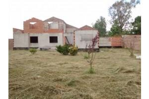 Terreno con construccion en Fontezuela