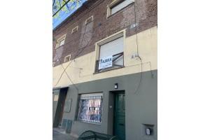 casa centrica en alquiler o venta  calle italia 82 ideal para  oficinas