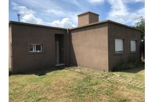 Casa en Manuel Ocampo