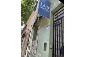casa centrica en alquiler calle san martin 870. para profesional , peluqueria, centro de belleza