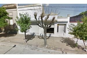 Casa con oficina en Acevedo