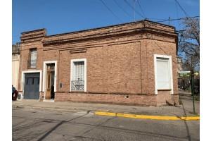 Casa Mitre esquina Rivadavia